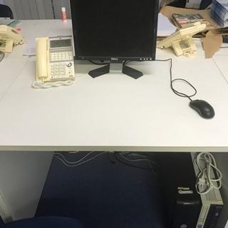 机14、椅子13 セットです