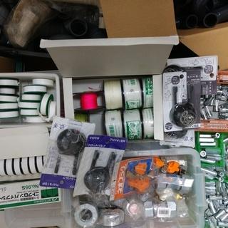 【 職人さん必見!】レーザー墨出し機、水洗工事道具、部品の格安フリ...