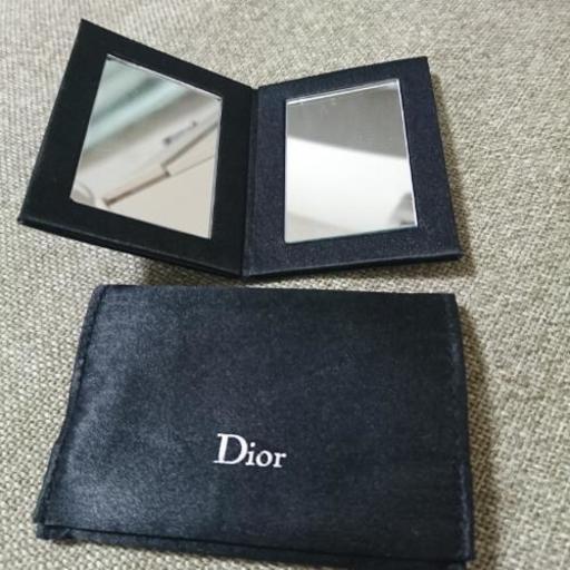 buy online 29a0c e1f8e CHANELのアイシャドウ&Diorのコンパクトミラー (市村) 二俣川の化粧品の中古あげます・譲ります|ジモティーで不用品の処分