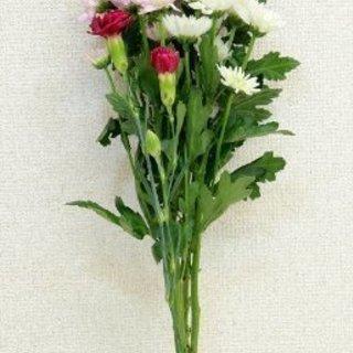 スーパーで売ってるお盆用の仏花など作ります