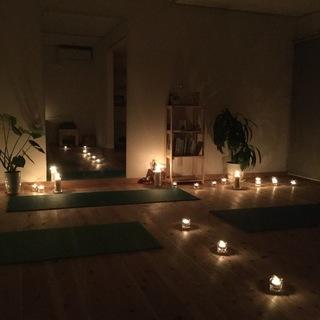 チャリティーキャンドルヨガと瞑想