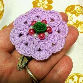 色々編みます!お花のヘアピン
