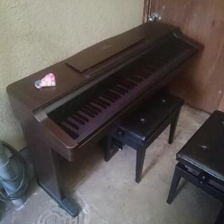 電子ピアノ  YAMAHA。。