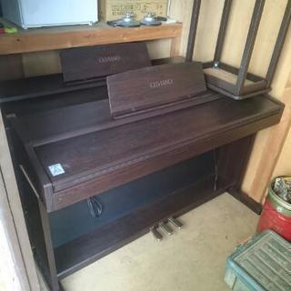 電子ピアノ  CASIO。。
