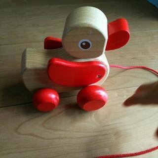 木製アヒルの引っ張るおもちゃ