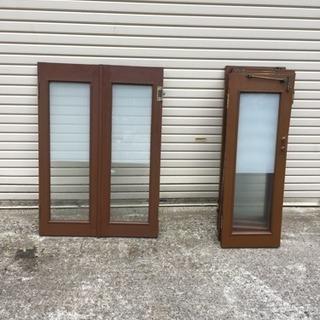 観音開 木製窓  開き金具真鍮製 2枚1セット