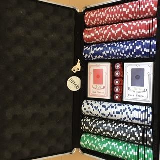ポーカーチップ300枚セット(アルミケース付き)