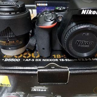 【取引終了しました】一眼レフ Nikon D5500 標準ズーム...