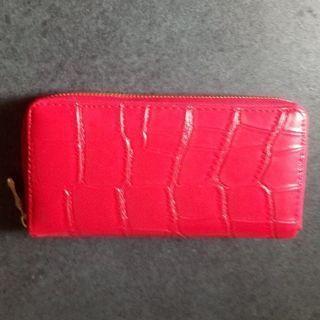 激安❢新品同様❢委託❢クロコ型押し大容量フルジップ長財布❢綺麗な赤色❢