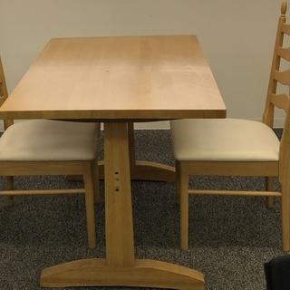 値下げしました!ダイニングテーブル&椅子2脚セット