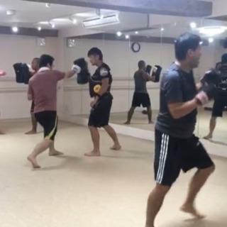 キックボクシング Revive高円寺  毎週月曜木曜の午後7時から。 見学 体験お気軽にご参加下さい(^-^) - 教室・スクール