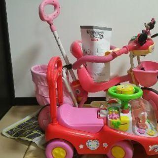 ミニーちゃん三輪車、キティちゃんくるま