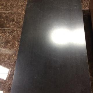 黒いローテーブル