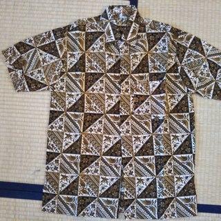 インドネシアのシャツ