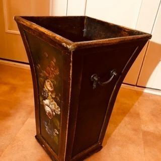 豪華なゴミ箱