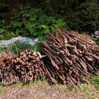薪 カラ松 他雑木の枝等の薪材 薪ストーブなどに