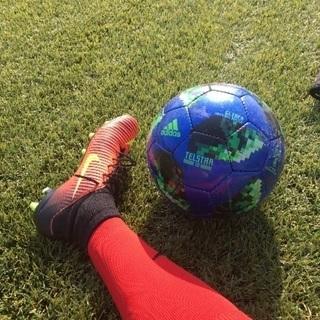 テラスポ鶴舞。人工芝でサッカーしませんか?