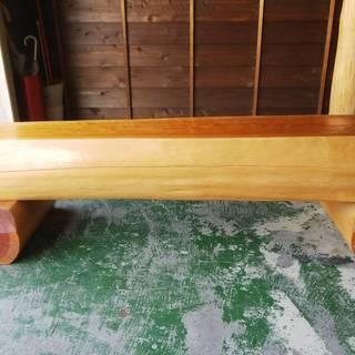 天然桧(ヒノキ)丸太の長椅子(塗装品) 特別価格品(限定数1)。 ...