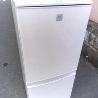 シャープ プラズマクラスター冷蔵庫 2015年モデル 140リット...
