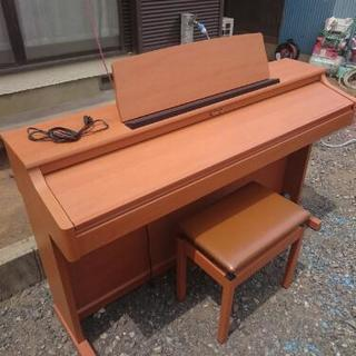 電子ピアノ  ローランド。