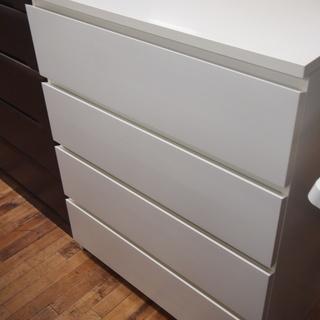 IKEAの4段チェストです!