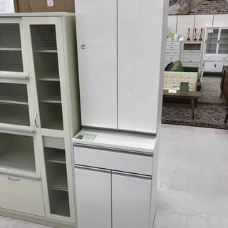 取りに来て頂ける方限定!お買い得なニトリの食器棚のご紹介です!