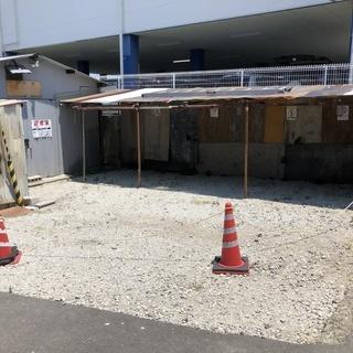 貸倉庫 駐車場付 使用面積 92㎡  建物面積約26.4㎡  定期...