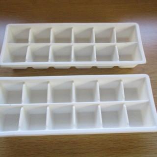 製氷皿 12区画 2個セット 割れあり
