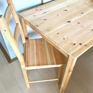 IKEAのダイニングテーブル チェアセット