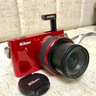 ニコンの大人気ミラーレス一眼カメラ Nikon J1(鮮やかレッド)