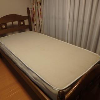 マットレス付きシングルベッド