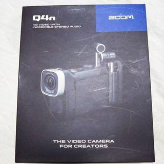 ハンディカメラ ZOOM Q4n 新品同様