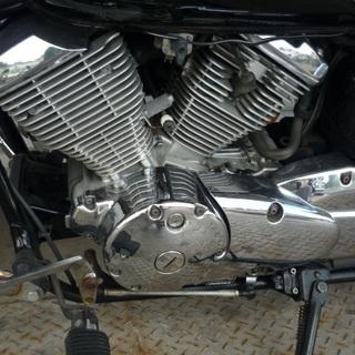 ドラッグスター250 VG05J 人気の黒 エンジン実働 鍵書類付き 全体的に綺麗です。 - 売ります・あげます