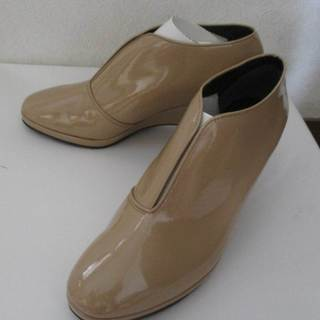 MADAME HIROKO(マダムヒロコ)ベージュブーティ(靴)♪