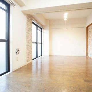 北越谷駅歩17分、3階建の2階、54㎡(2LDK)のマンションです...