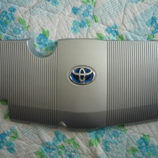 トヨタ C-HR ハイブリッド車用エンジンカバー