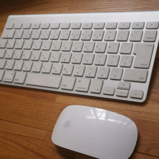 Apple Wireless Keyboard と Magic M...
