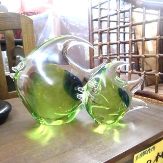 ガラス置物 エンゼルフィッシュ つがい 緑 グリーン ペイペイ対...