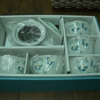 新品【R.Kikuchi】つばき 茶器セット(湯のみ5客&急須)