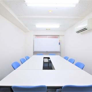 大阪市内、少人数のための格安貸し会議室★プロジェクター無料 ★セミ...