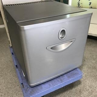 電子冷蔵庫
