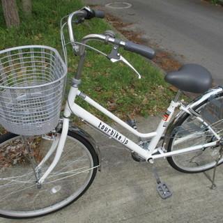 未使用 3段変速自転車 ノーパンクタイヤ 白 26イン.
