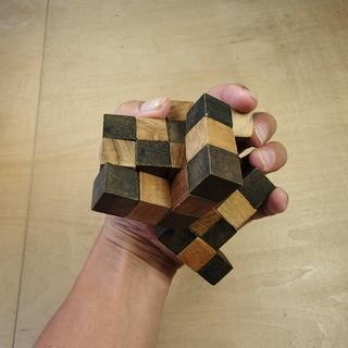 木のパズル もともと立方体でした
