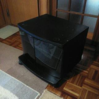 古いテレビ台差し上げます