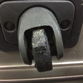 スーツケース修理致します!!