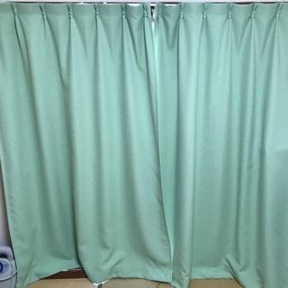 新古品カーテンとカーテンレールお譲りします。