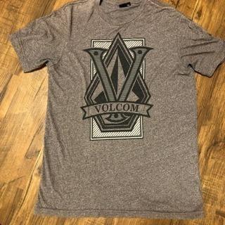Volcom 茶色 デザインTシャツ