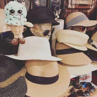 8月10日 金曜日 「帽子の日」本日は14:00〜20:00まで営...