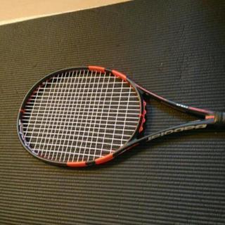 バボラ ピュアストライクツアー 18×20 テニスラケット