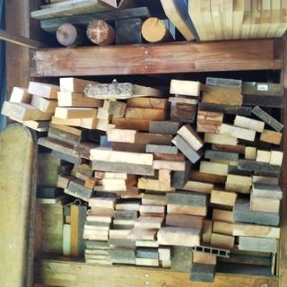 【ハウス工房】★余った木材さしあげます(端材、角材、ベニヤ板)